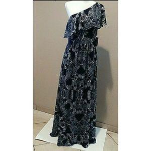Vince Camuto One-Shoulder Maxi Dress